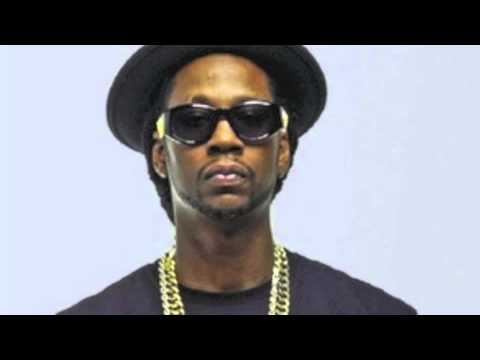 2Chainz ft. Iamsu- Livin (Dirty)