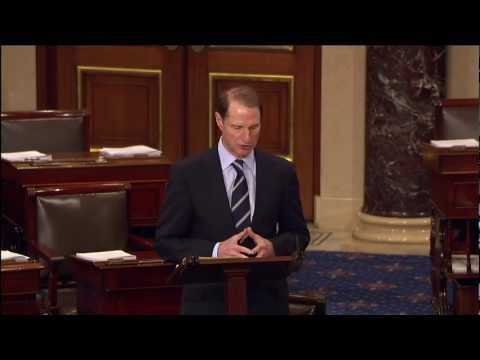 Wyden Pays Tribute to Senator Hatfield