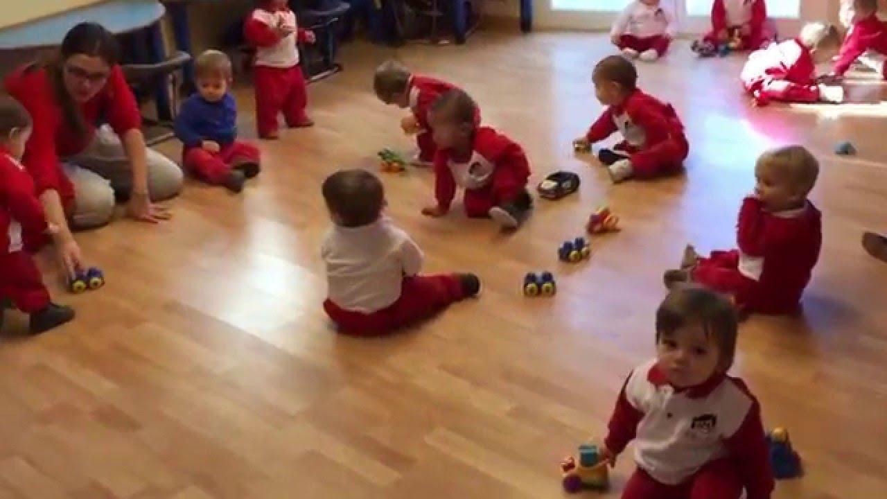 Con un a o jugamos y jugamos escuela infantil pecas youtube - Escuelas infantiles pozuelo ...