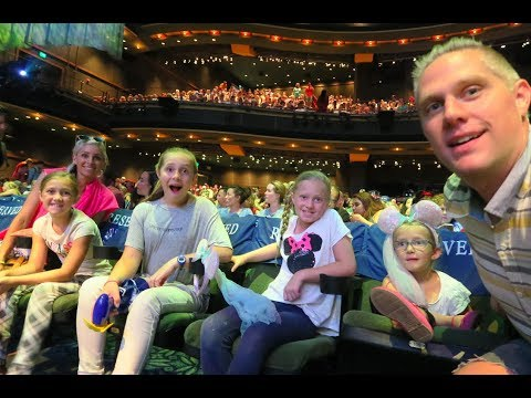 Disneyland Travel Vlog! Front Row Seats at the Frozen Play!!!