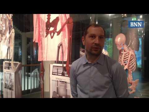 "ZKM Karlsruhe: Ausstellung ""Hybrid Layers"""