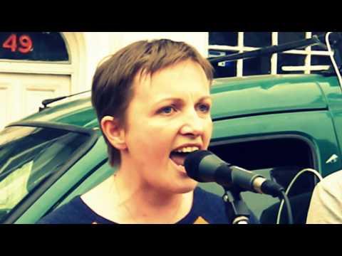 Vera Twomey Address's the crowd in Cork City