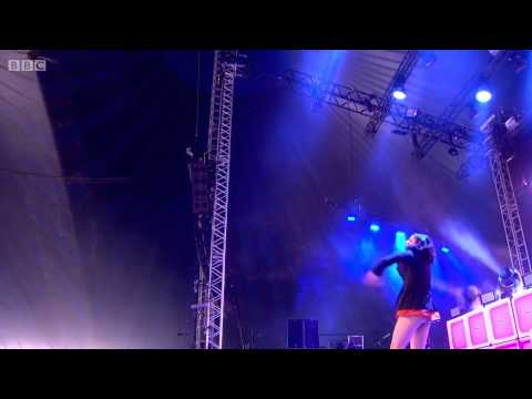 Charli XCX - I Love It Live Glastonbury 2015