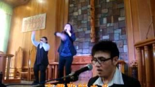 e麥詩歌樂團在排灣族比悠瑪長...