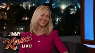 Download lagu Lisa Kudrow is Handling Her Son Going to College Very Well MP3