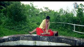 Kamaria Kare Lapalap Lollypop Lagile [Bhojpuri Hot Song]
