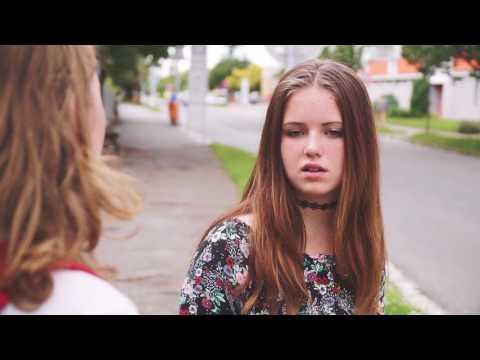 """Filmová škola 2017 - Film """"Omlouvám se"""" (2. turnus Letní Ambroziáda Hradec Králové)"""