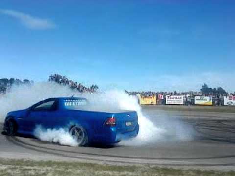 Holden V8 Ute Burnout - Boys Day Out 2010
