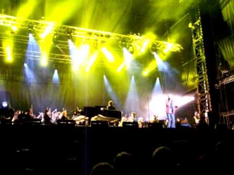 Julien CLERC - Quand je joue - Festival Papillons de nuit, St Laurent de Cuves (50), le 27/05/2012 mp3