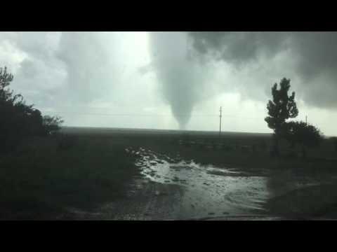 5/22/16 Howardwick Texas tornado #1  Alan Broerse News9 storm tracker