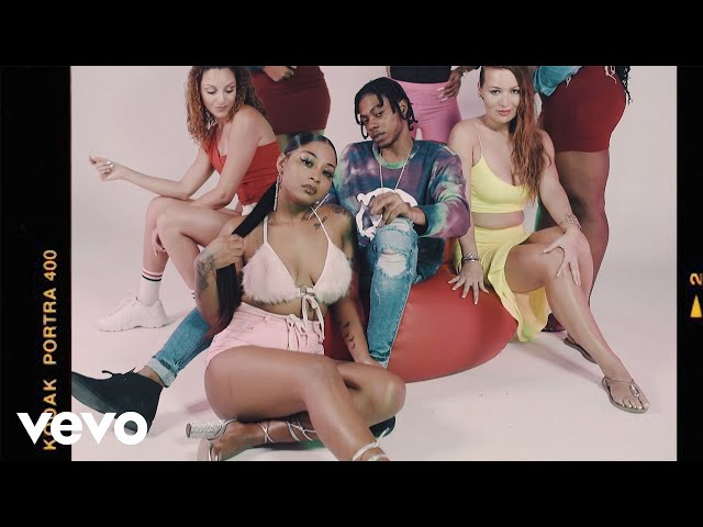 Daddy1 - Pretty Pon Snap | Official Music Video - Daddy1VEVO