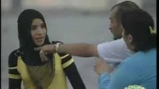 مبروكة الحولة خطيبته زي أخته / الكورنيش - طرابلس - ليبيا candid camera