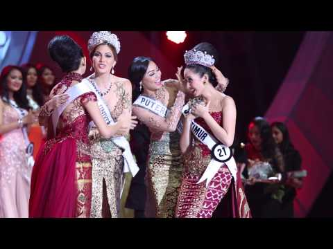 Miss Universe 2013 - Gabriela travels to Indonesia