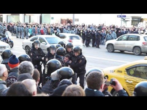 Más de 700 detenidos en protesta en Moscú