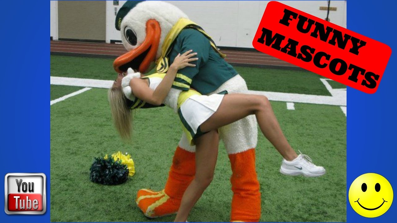 Top 12 Funny Sports Mascots - Youtube-9340
