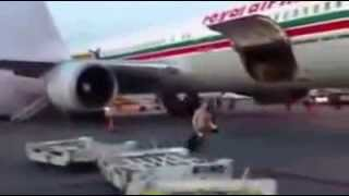 مسافرون مغاربة يعيشون لحظات رعب حقيقية بعد اشتعال النيران في طائرة مغربية فوق الأجواء الكندية