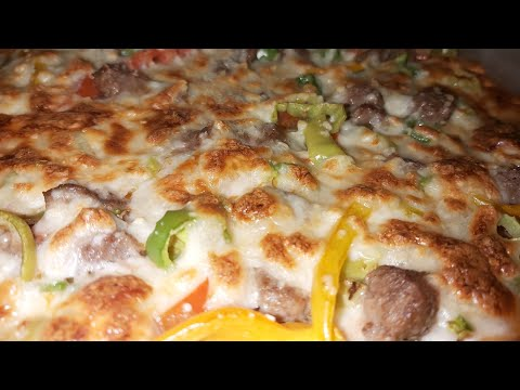 صورة  طريقة عمل البيتزا طريقة عمل البيتزا السجق( السدق ) في المنزل بأسهل طريقة  | easy pizza recipe طريقة عمل البيتزا من يوتيوب