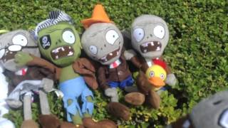 Plants vs Zombies Plush: The Puffshrooms!