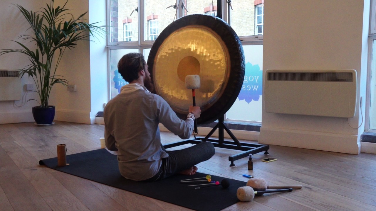 Alle nye What Happens In A Gong Bath - YouTube HX12