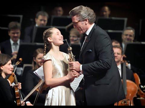 Alma Deutscher - plea for Harmony at the European Culture Prize ceremony in Vienna