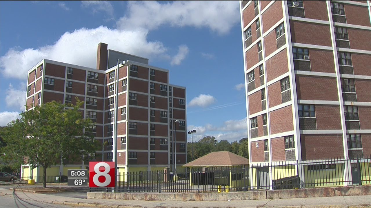 Tenants of troubled New London housing complex may be able to move - Dauer: 114 Sekunden