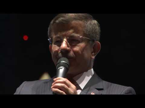 Sayın Ahmet Davutoğlu, Taksim Meydanı'nda kahraman millet ile demokrasi nöbetinde...