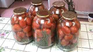 Закатываем помидоры с морковной батвой