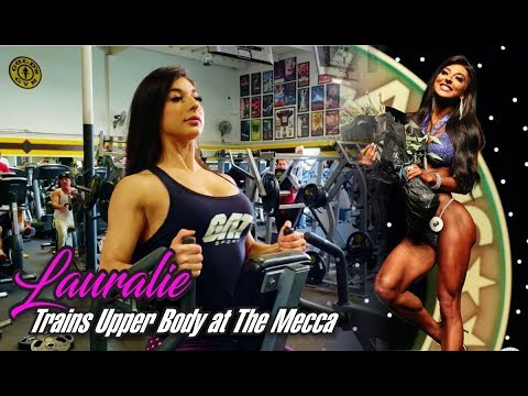 LAURALIE CHAPADOS TRAINS UPPER BODY AT GOLDS GYM VENICE