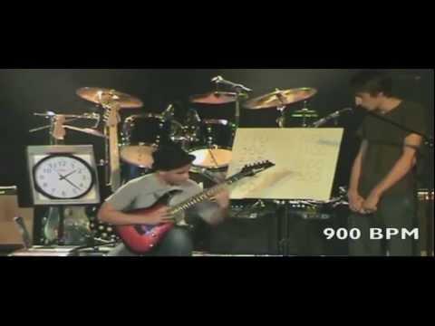 Самый Быстрый Гитарист В Мире 2012 1300 BPM