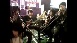Falling in love_JROCKS covered by JellyFish band Indonesia.avi