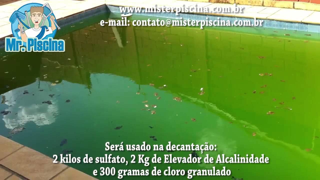 piscina de plastico com agua verde