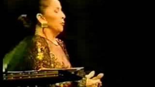 """Teresa BERGANZA sings """"Connais-tu le pays"""" from Mignon"""