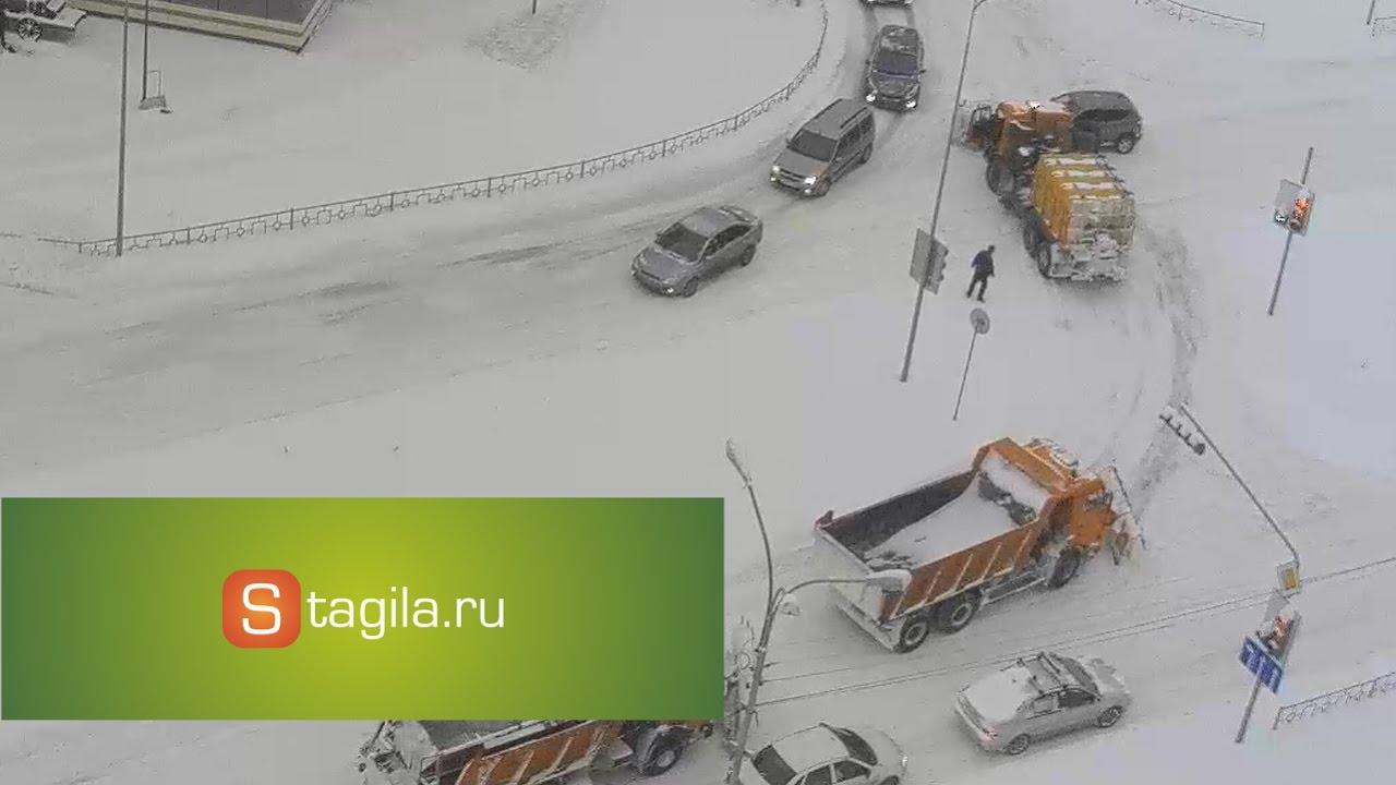 ДТП с участием снегоуборочной техники