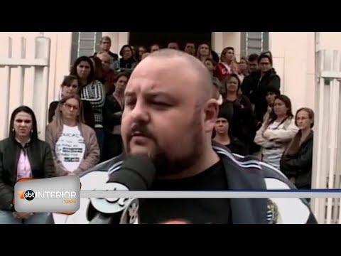 Professores de Guapiaçu continuam em greve na cidade