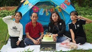 Hồng Anh Tổ Chức Sinh Nhật Bất Ngờ Cho Bố - Cắt Bánh Gato Hát Chúc Mừng Sinh Nhật