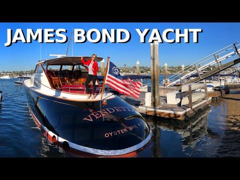 """Billy Joel's CUSTOM DERECKTOR 57' """"VENDETTA"""" Yacht Tour DOUG ZURN Design & Refit / 50 Kts TOP SPEED"""