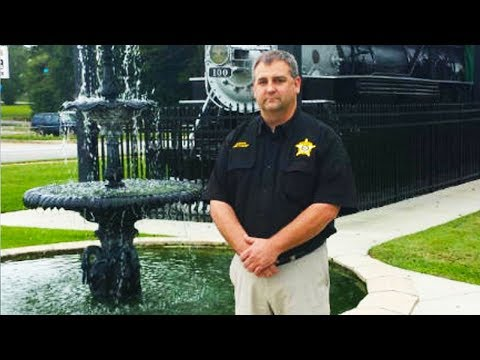 Student Groping Sheriff Gets Suspended