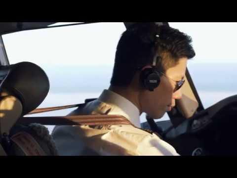 Resultado de imagen para pilotos cathay air youtube