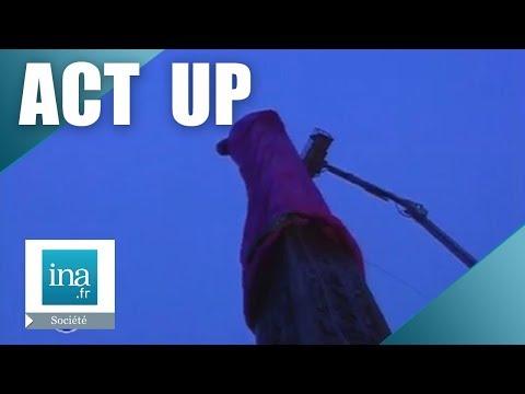 Le préservatif d'Act Up sur l'Obélisque de la Concorde | Archive INA