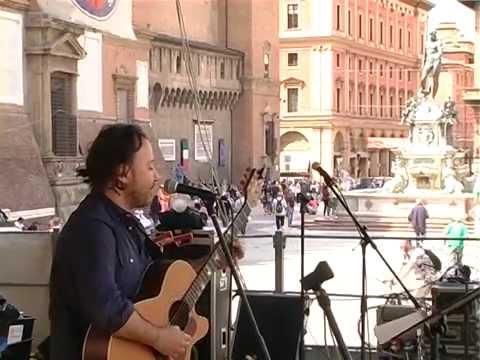 Andrea Ascolese Ti Portero' Live Tour  30/5/ '15 Piazza Maggiore Bologna