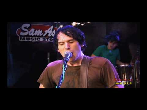 Silversun Pickups - Kissing Families - Live On Fearless Music