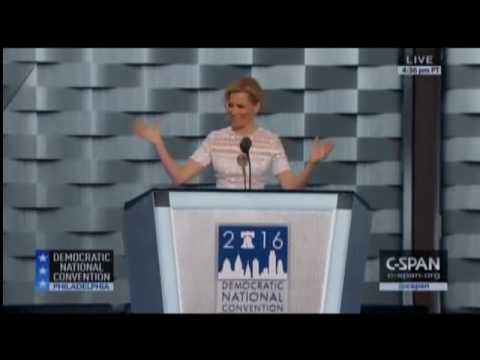 Elizabeth Banks Recreates Donald 'Over The Top' RNC Entrance