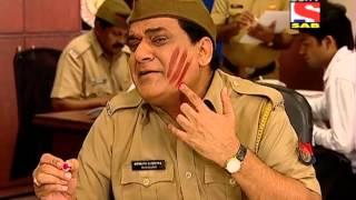 Chautala solves the case of Family Friend Gang - Gorilla slaps Gopi...