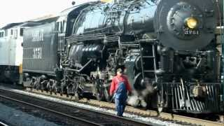 (HD)   RARE VIEW OF  STEAM LOCOMOTIVE:  SANTA FE 3751