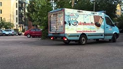 Jäätelöauto saapuu