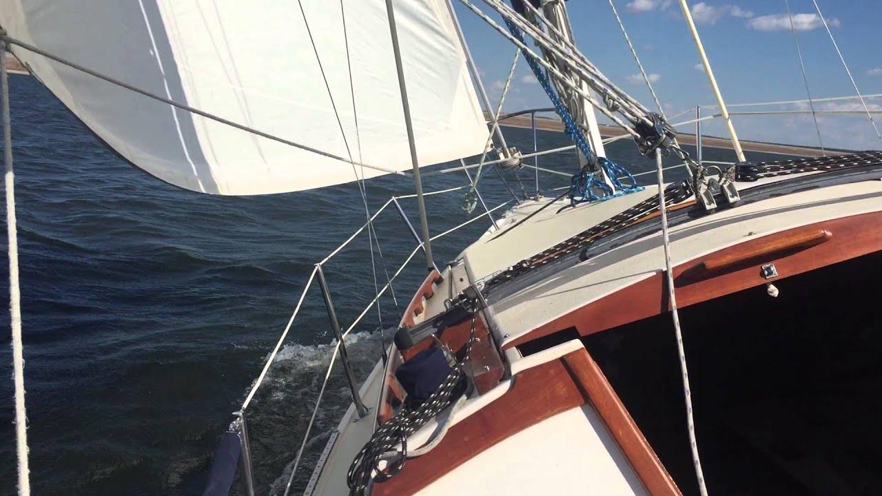 Sailing on Catalina 27