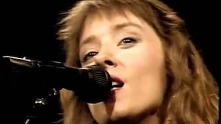 Suzanne Vega  -  Luka (Live on Letterman 1987)