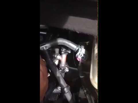 2011 Dodge Caravan Lower Heater Hose Plastic Y Junction Cracked