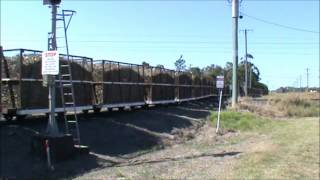 Sugar cane trains australia bingara loco crossing QR 17.08.12