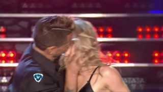 Showmatch 2014 - Esta vez el Tirri besó a Barby Reali